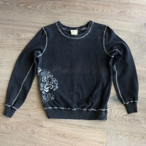 DaNang Embroidered sweatshirt